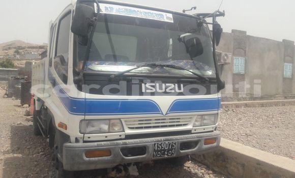 Acheter Occasions Voiture Isuzu Wizard Blanc à Djibouti au Djibouti Region