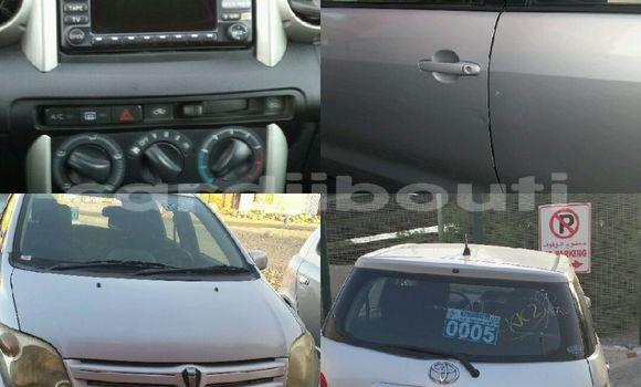Acheter Occasions Voiture Toyota IST Gris à Djibouti au Djibouti Region