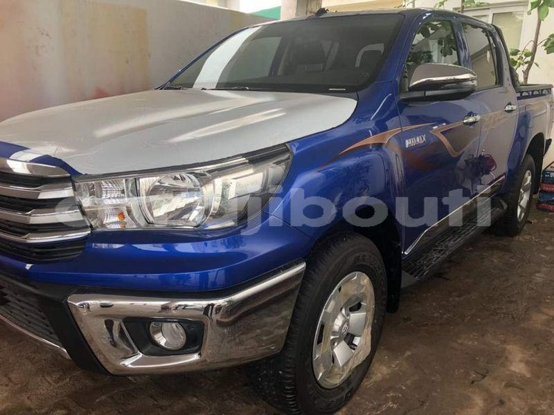 Big with watermark toyota hilux 69354