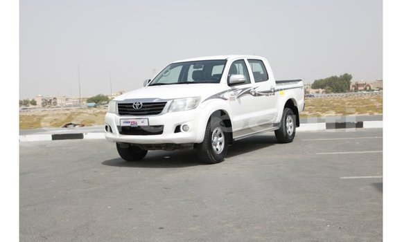 Medium with watermark toyota hilux ali sabieh region import dubai 1468