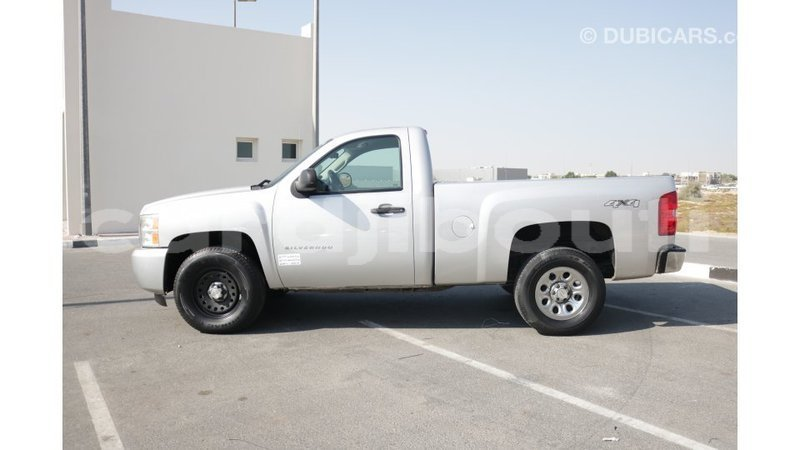 Big with watermark chevrolet silverado ali sabieh region import dubai 1675
