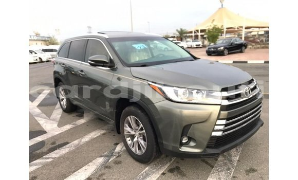 Medium with watermark toyota highlander ali sabieh region import dubai 1696