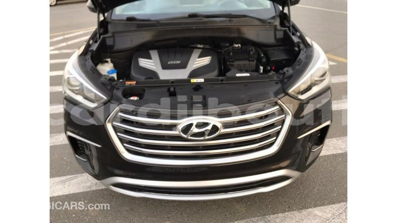 Big with watermark hyundai santa fe ali sabieh region import dubai 1805