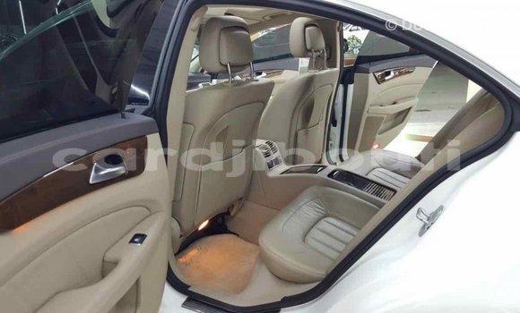 Acheter Importé Voiture Mercedes-Benz 190 (W201) Blanc à Import - Dubai, Ali Sabieh Region