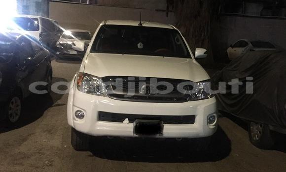 Acheter Importé Voiture Toyota Hilux Blanc à Djibouti, Djibouti Region