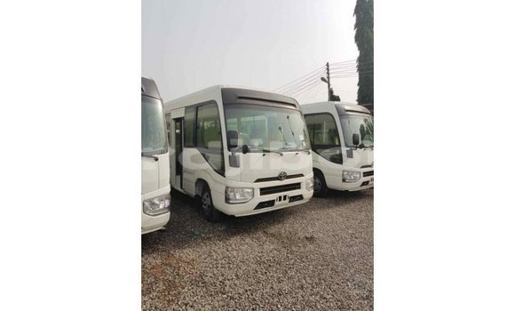 Acheter Importé Voiture Toyota Coaster Blanc à Import - Dubai, Ali Sabieh Region