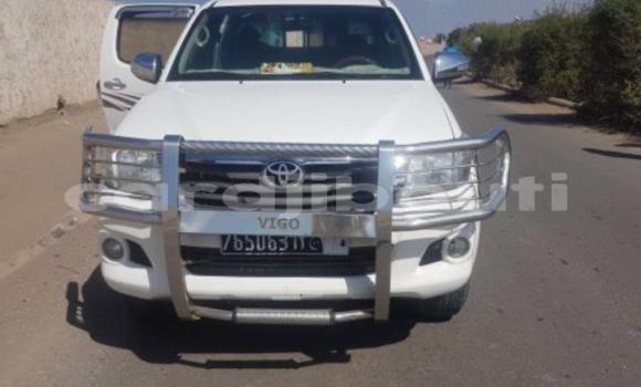 Acheter Occasions Voiture Toyota Hilux Blanc à Djibouti au Djibouti Region