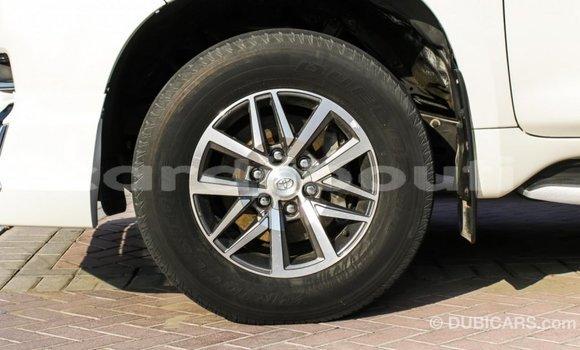 Acheter Importé Voiture Toyota Prado Blanc à Import - Dubai, Ali Sabieh Region