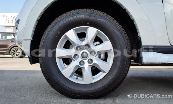 Acheter Importé Voiture Mitsubishi Pajero Blanc à Import - Dubai, Ali Sabieh Region