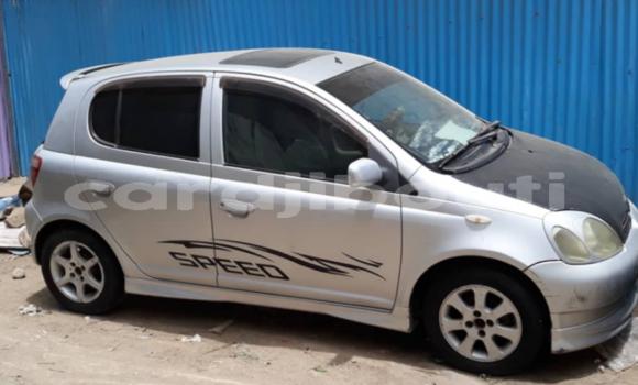 Acheter Occasions Voiture Toyota Vitz Gris à Alaili Dadda au Obock