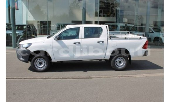 Medium with watermark toyota hilux ali sabieh region import dubai 3405