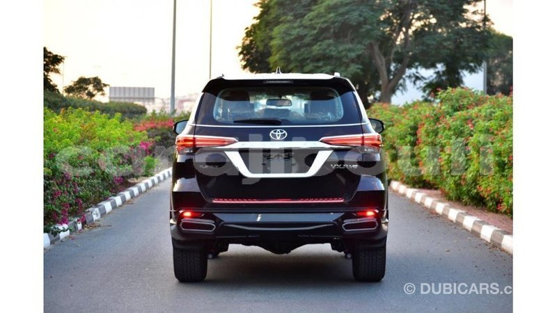 Big with watermark toyota fortuner ali sabieh region import dubai 3422