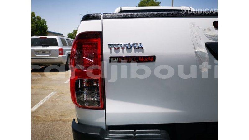 Big with watermark toyota hilux ali sabieh region import dubai 3425