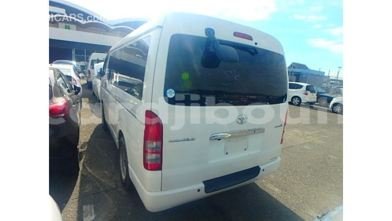Big with watermark toyota hiace ali sabieh region import dubai 3745