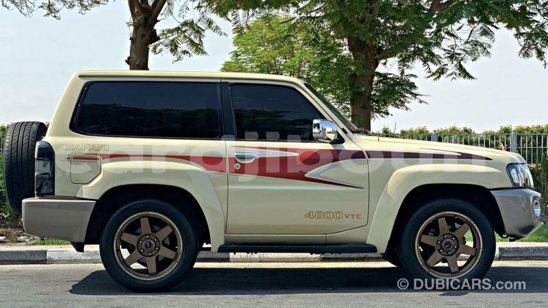 Big with watermark nissan patrol ali sabieh region import dubai 3956