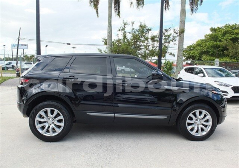 Big with watermark land rover range rover evoque ali sabieh region ali sabieh 4081