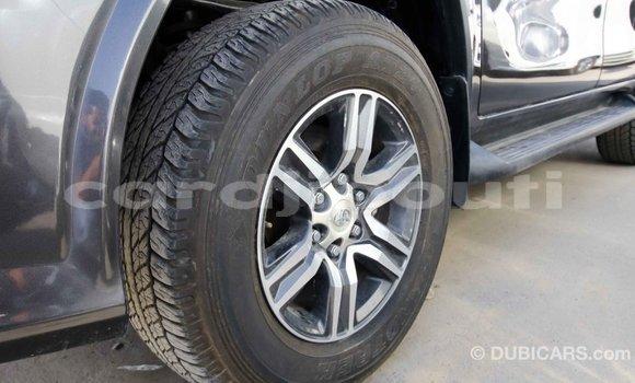 Acheter Importé Voiture Toyota Fortuner Autre à Import - Dubai, Ali Sabieh Region