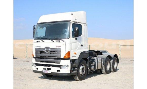 Acheter Importé Utilitaire Hino 300 Series Blanc à Import - Dubai, Ali Sabieh Region