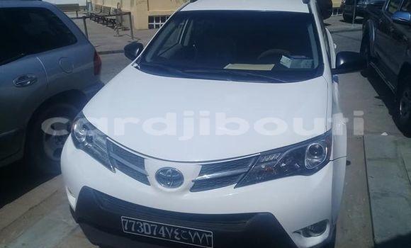 Acheter Occasions Voiture Toyota RAV4 Blanc à Djibouti au Djibouti Region